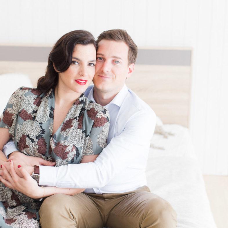 portrait de couple peandant une séance maternité