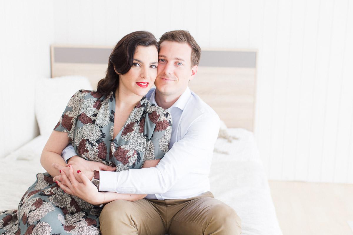 portrait de couple en shooting maternité