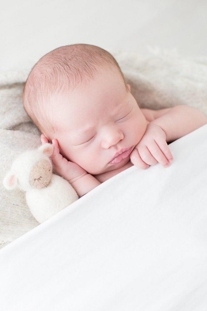 bébé de 5 jours en shooting photo