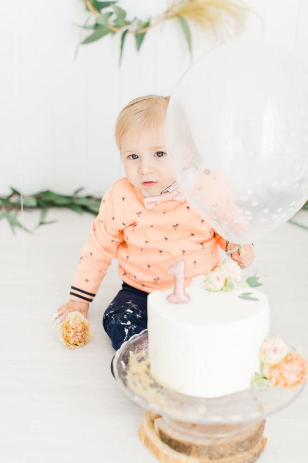 Photographie d'anniversaire pour les 1 an d'un petit garçon